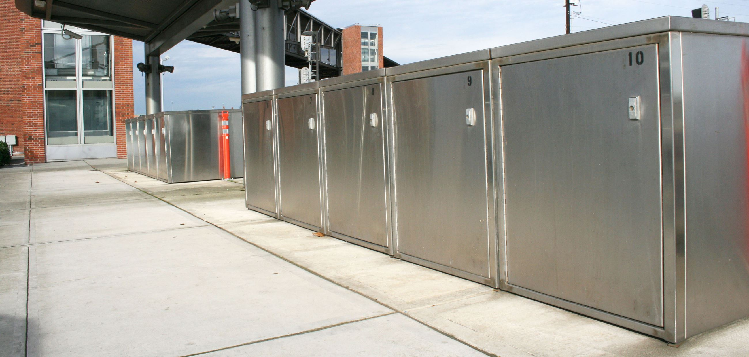 bike lockers at Everett Station